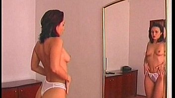 Мужики достигают струйного сквирт оргазма и кончают партнершам на мордашки